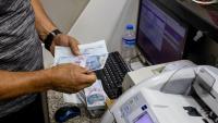 Турската лира поевтиня до критичното ниво от 8 лири за долар