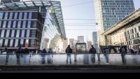 Еврозоната излиза от кризата с ръст на активността в сектора на услугите