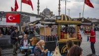 Лирата се срина отново след заплахата на Ердоган срещу посланиците