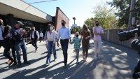 Трюдо печели историческия трети мандат в Канада, но няма да има мнозинство