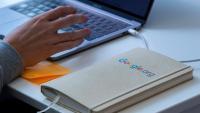 Googleдава по 1000 долара на служителите си за ефективна работа от дома