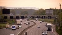 Продажбите на автомобили във Великобритания спадат с 90% през май