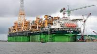 Total: Търсенето на петрол ще достигне пик през 2030 г.