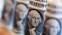 Доларът продължава да пропада