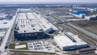 Tesla ще започне да изнася произведени в Китай седани Model 3 към Европа