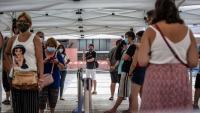 Коронавирусът се завръща, но Европа отхвърля идеята за нови строги ограничения