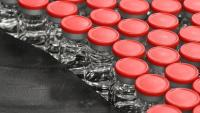 AstraZeneca се изправя пред трудни въпроси относно своята ваксина след призната грешка