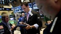 Загубите на технологичните компании тласнаха Nasdaq 100 към корекция