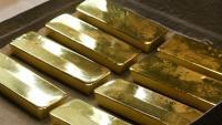 Златото поевтинява в очакване на нов пакет от стимули в САЩ