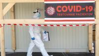 Словакия, която победи в първата вълна на вируса, сега планира да тества цялото си население