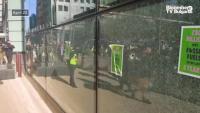 Екоактивисти изпочупиха прозорците на HSBC в Лондон