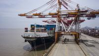 Китайският внос и износ се покачват през юни въпреки нестихващата пандемия