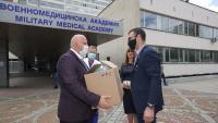 ЦКБ дари 8 дихателни апарата на болници в 7 града в страната