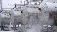 Цените на петрола останаха почти непроменени в очакване на данни за запасите