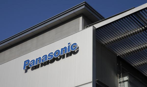 Panasonic спира да работи с Huawei - Bloomberg